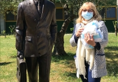 5_Gradisca CASA BROVEDANI  con statua del benefattore Osiride Brovedani