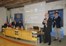 1 Il Governatore Campanella apre il Forum