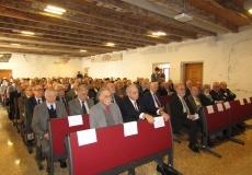 2 La sala dei partecipanti